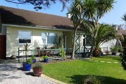 3 bedroom detached bungalow for sale - Cober Crescent, Gwinear