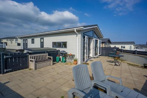 3 bedroom mobile home for sale - Beach Chalet with Sea Views