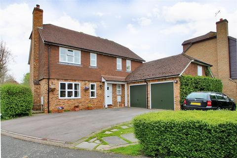 4 bedroom detached house for sale - Well Close, Leigh