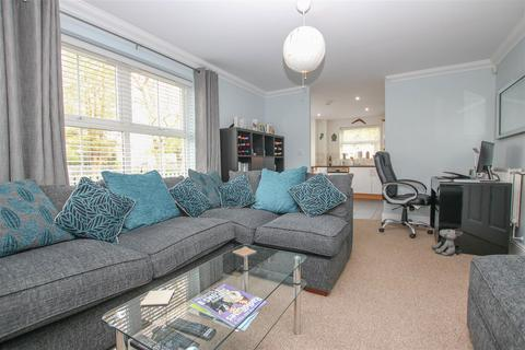 2 bedroom apartment for sale - Alder Road, Weston Turville, Aylesbury