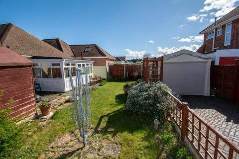 3 bedroom bungalow to rent - REDHILL