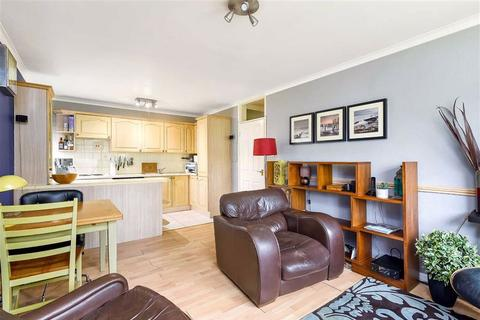 1 bedroom flat for sale - Cooden Close, Bromley, Kent