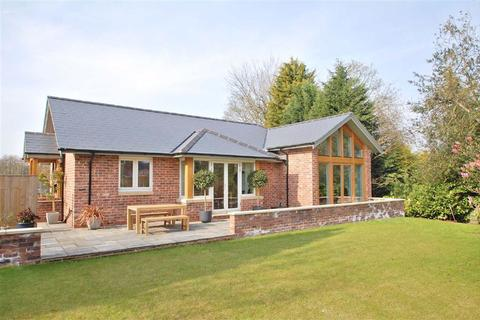 3 bedroom detached bungalow for sale - Knutsford Road, Alderley Edge, Cheshire