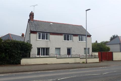 3 bedroom detached house for sale - Llay New Road, Llay, Wrexham