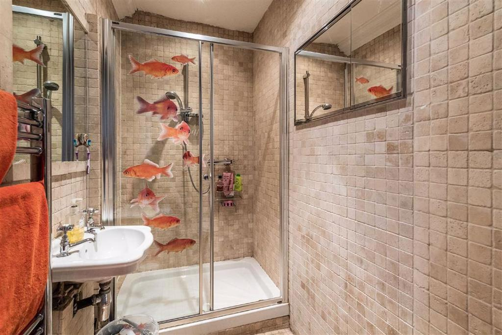 House shower room/WC
