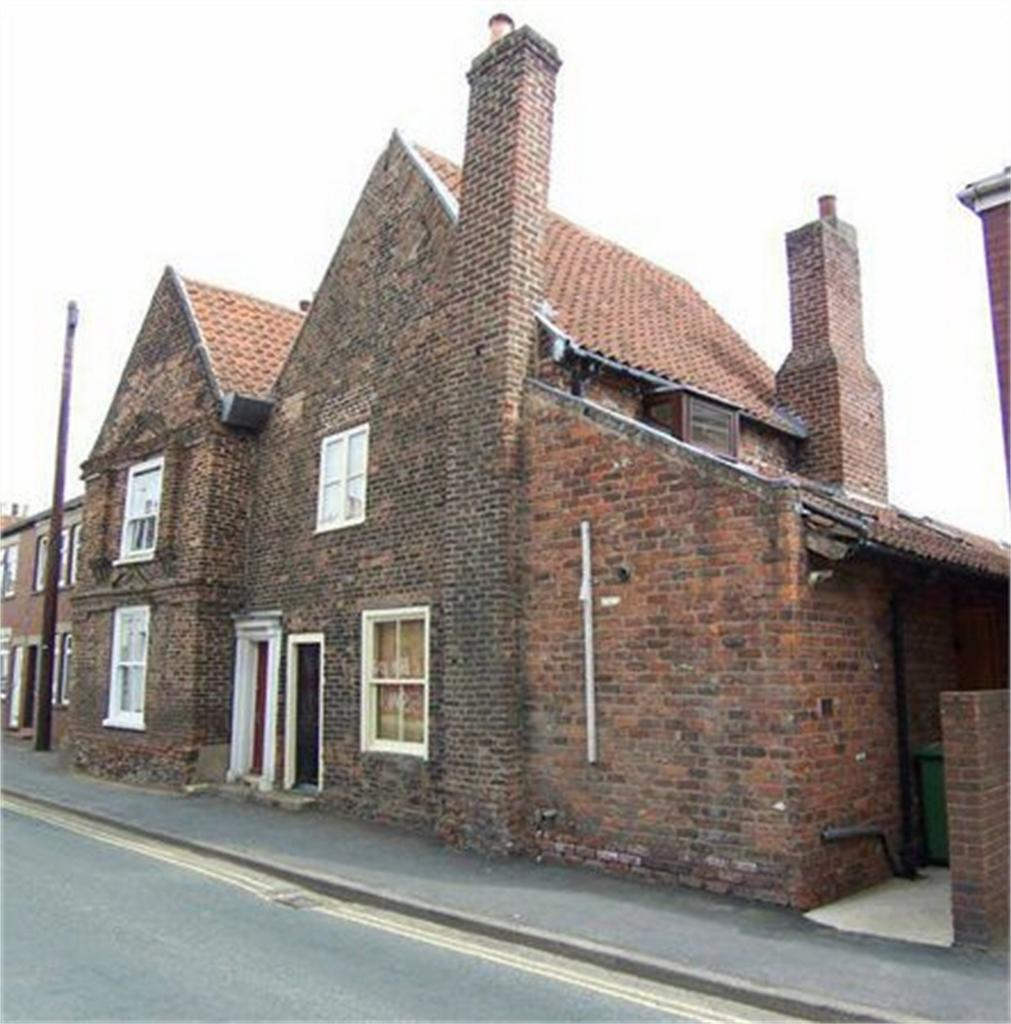 4 Bedrooms Terraced House for sale in Flemingate, Beverley, East Riding of Yorkshire