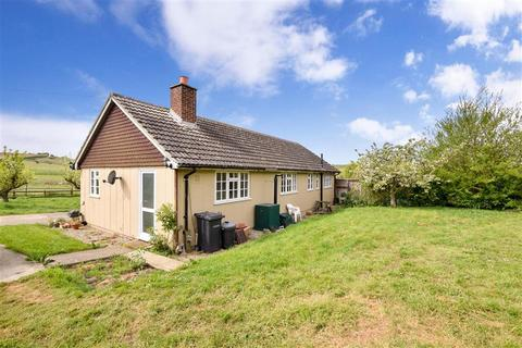 3 bedroom detached bungalow for sale - Cooling Road, High Halstow, Rochester, Kent