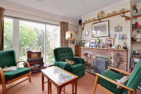 3 bedroom semi-detached house for sale - Bankfields, Headcorn, Ashford, Kent