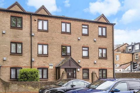 2 bedroom flat for sale - Fairfield East, Kingston Upon Thames, KT1