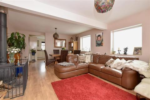 4 bedroom detached bungalow for sale - Millyard Crescent, Woodingdean, Brighton, East Sussex