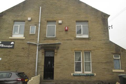 Studio to rent - Huddersfield Road, Wyke, BD12