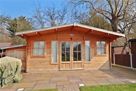 4 bedroom bungalow for sale - Brock Hill, Runwell, Wickford, Essex