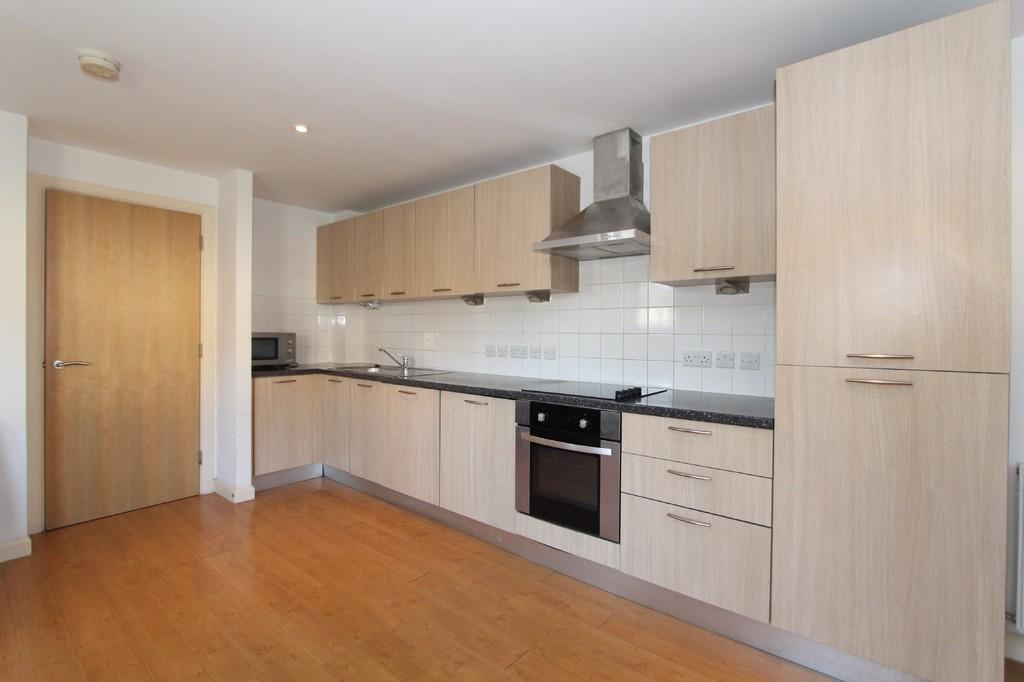 buckingham road edgware 1 bed apartment to rent 1 100. Black Bedroom Furniture Sets. Home Design Ideas