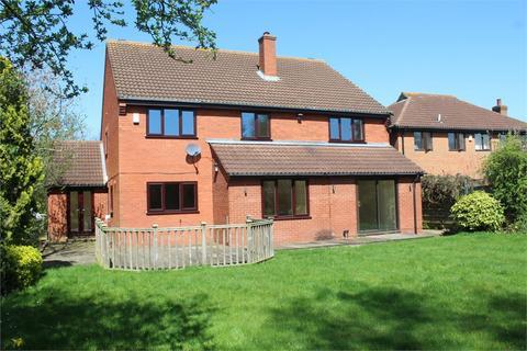 5 bedroom detached house to rent - Aldrich Drive, Willen