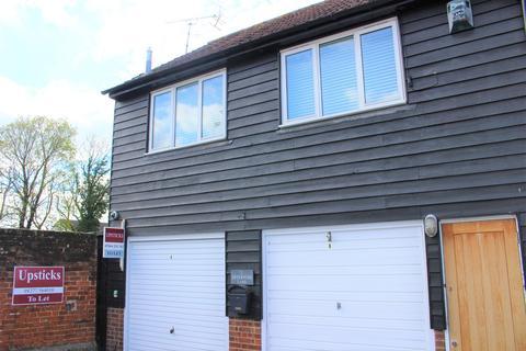 Studio to rent - Fryerning Lane, Ingatestone, Essex, CM4