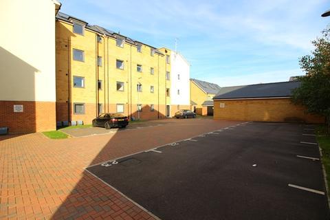 2 bedroom ground floor flat to rent - WOLVERTON - 2 bedroom ground floor apartment