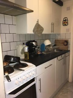 1 bedroom flat to rent - 6 Wolverton Gardens W6