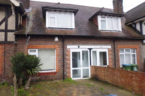 3 bedroom terraced house to rent - Lupin Road, Southampton, Hampshire, SO16
