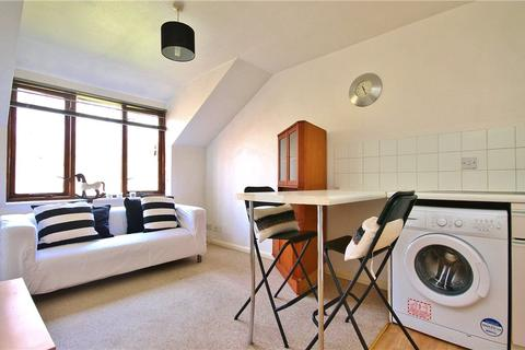 1 bedroom apartment to rent - Linden Place, Fairfield Avenue, Staines, Middlesex, TW18