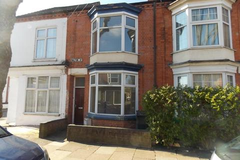 4 bedroom terraced house to rent - Walton Street, Leicester LE3 0DX