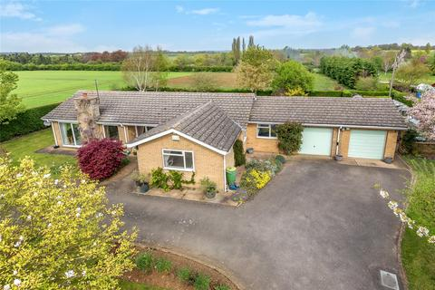 4 bedroom detached bungalow for sale - Cliff Road, Snitterby, DN21