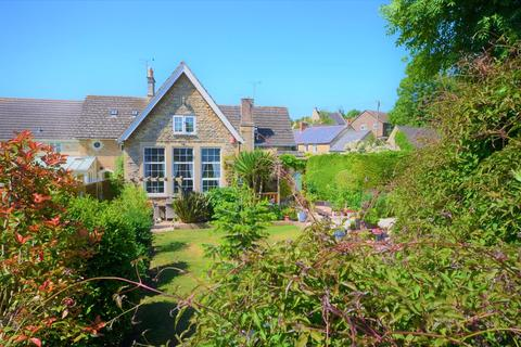 4 bedroom cottage for sale - The Old School, Woodford