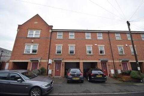 3 bedroom townhouse to rent - Roman Road, Chester Green, Derby, DE1 3RX