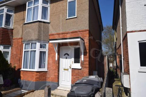 3 bedroom house to rent - Elmes Road, Moordown, Bournemouth