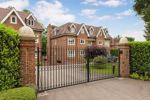 3 bedroom apartment to rent - Draycott House, Beaconsfield