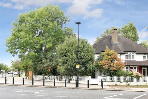 4 bedroom semi-detached house for sale - Burlington Lane, London, W4