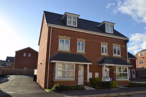 4 bedroom semi-detached house to rent - Woodside View, New Forrest Village, Leeds, LS10