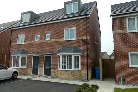 3 bedroom semi-detached house for sale - Whitebank Road, Oldham