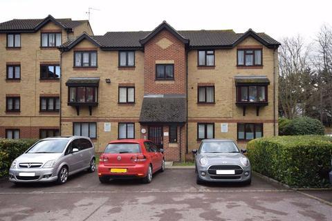 1 bedroom flat for sale - Wroxall Court, Linnet Way, Purfleet, Essex