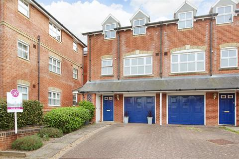 3 bedroom end of terrace house for sale - Gardeners Place, Chartham, Canterbury