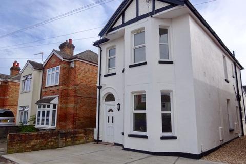 1 bedroom flat to rent - TWO DOUBLE BEDROOM GROUND FLOOR, CHARMINSTER