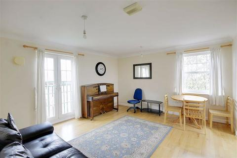 2 bedroom apartment to rent - Queensberry Place, Manor Park