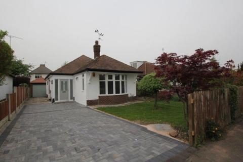 3 bedroom detached bungalow to rent - Curzon Park, Chester