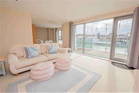 2 bedroom flat to rent - Bristol - Hotwells Road.