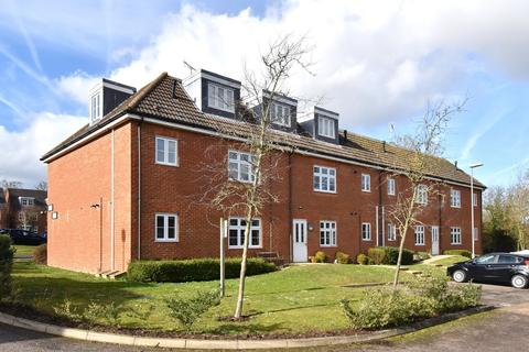 2 bedroom flat for sale - Turner Avenue, Biggin Hill, Westerham