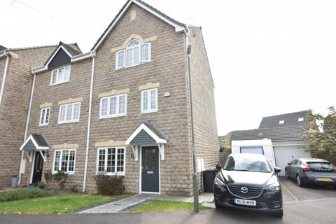 4 bedroom mews for sale - Buttercup Close, Shirebrook, Glossop