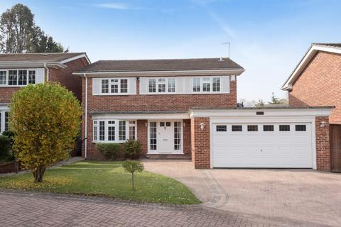 4 bedroom detached house for sale - Squires Wood Drive Chislehurst BR7