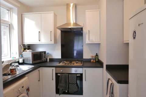 2 bedroom flat to rent - HULSE ROAD, BANISTER PARK, UNFURN