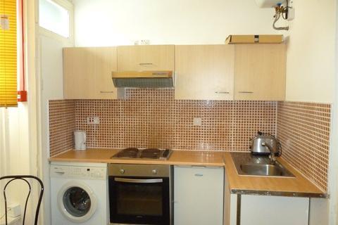 House to rent - Marroway Street, Ladywood, Birmingham, B16