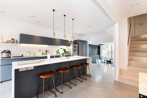 5 bedroom terraced house to rent - Mimosa Street, London