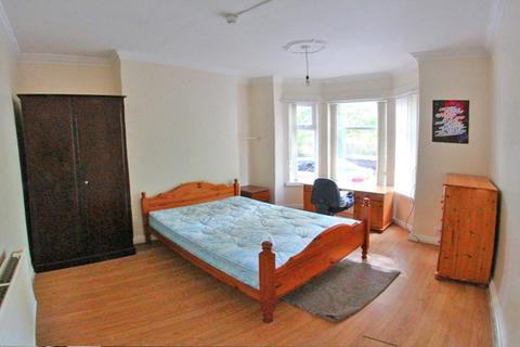 5 bedroom terraced house to rent - SHARED HOUSE - 14 Landcross Road, M14 6NA