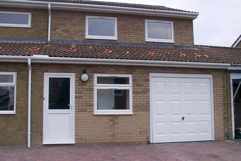 2 bedroom semi-detached house to rent - Woodcock Close