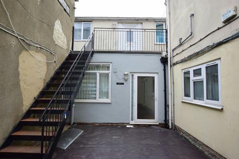 3 bedroom apartment for sale - Hainton Avenue, Grimsby, DN32