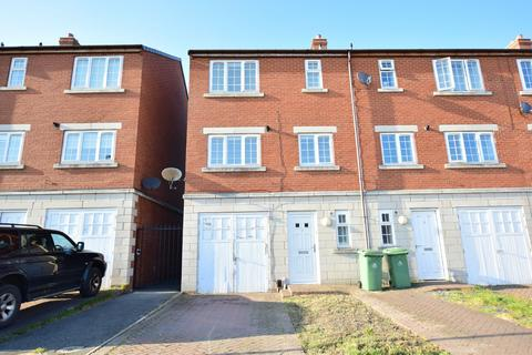 3 bedroom end of terrace house for sale - Patrick Street Mews, Grimsby, DN32