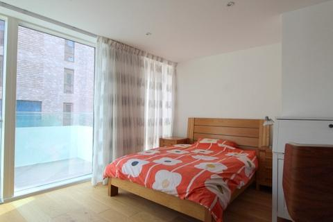 1 bedroom house share to rent - Billinghurst Way, North Greenwich, London , SE10