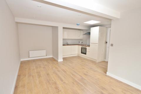 1 bedroom flat to rent - Woodside Road, Amersham, HP6